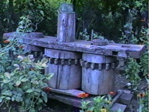 """Moenda ou """"torchio"""" feito pelo mestre carpinteiro Antônio Piovesan."""